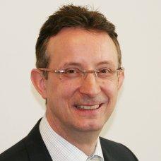 Jörg  Holzhäuser